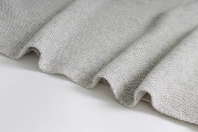 ウールは反毛し、綿から糸へ